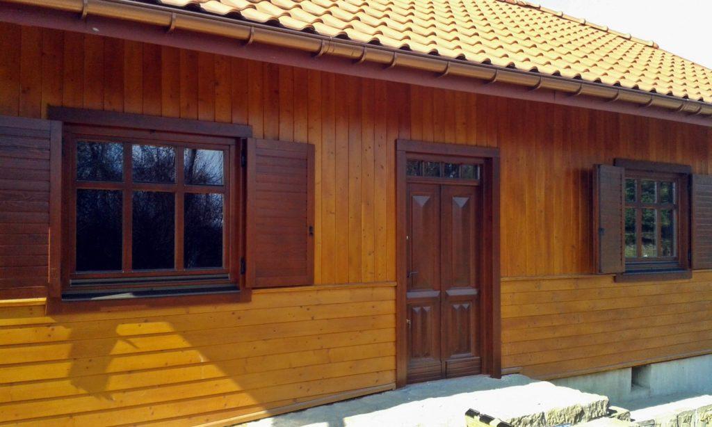 Drewniane okna z okiennicami - FHU TOKARCZYK