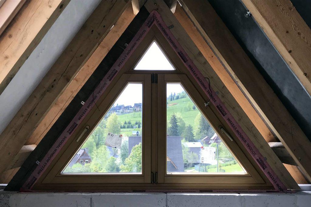 Trójkątne okna drewniane - FHU Tokarczyk