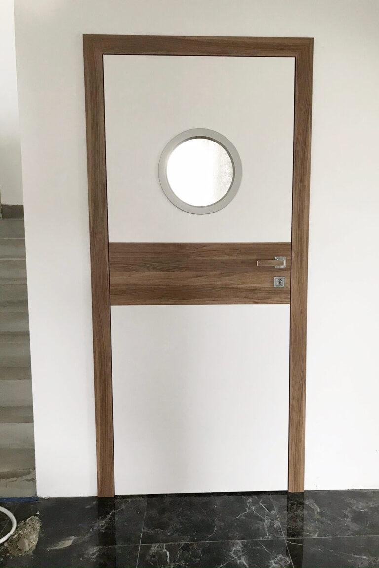 Drzwi wewnętrzne z bulajem