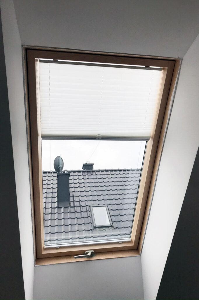 Plisy na okno dachowe - Okna i drzwi Tokarczyk