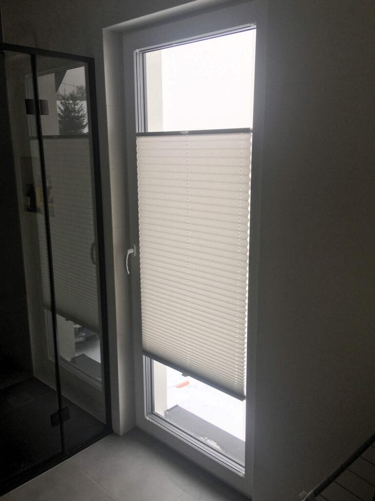 Plisy-na-oknie-łazienkowym-FHU-Tokarczyk
