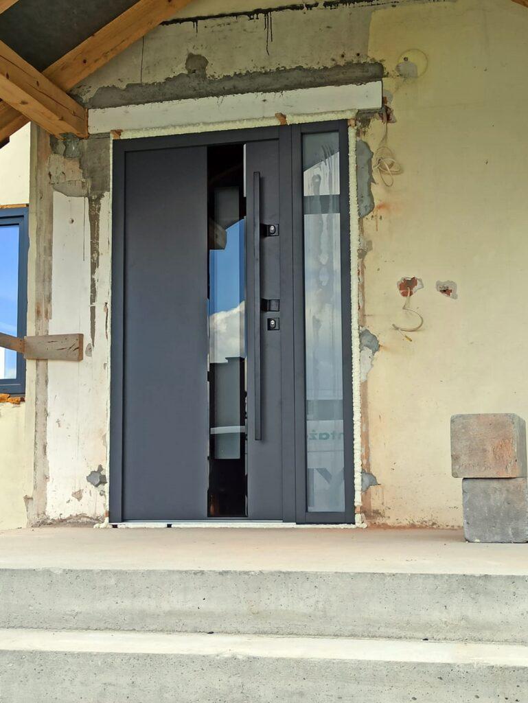 Drzwi Delta z antabą - Okna i drzwi Tokarczyk Małopolska