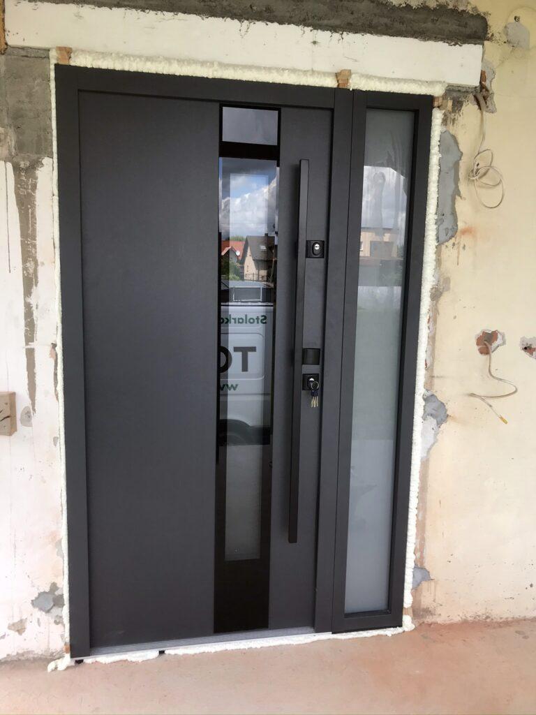 Montaż drzwi wejściowym Delta - Tokarczyk Małopolska