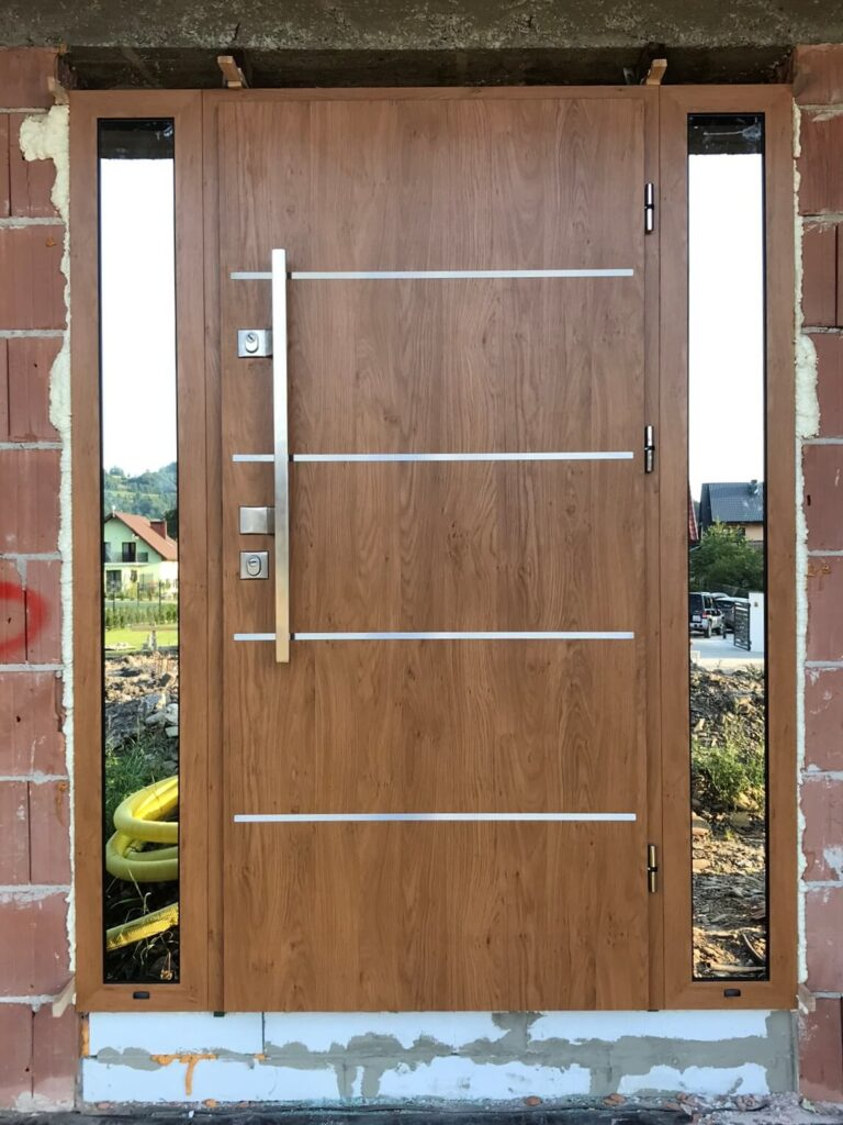 Drzwi antywłamaniowe Delta z naświetlami bocznymi - FHU Tokarczyk Małopolska