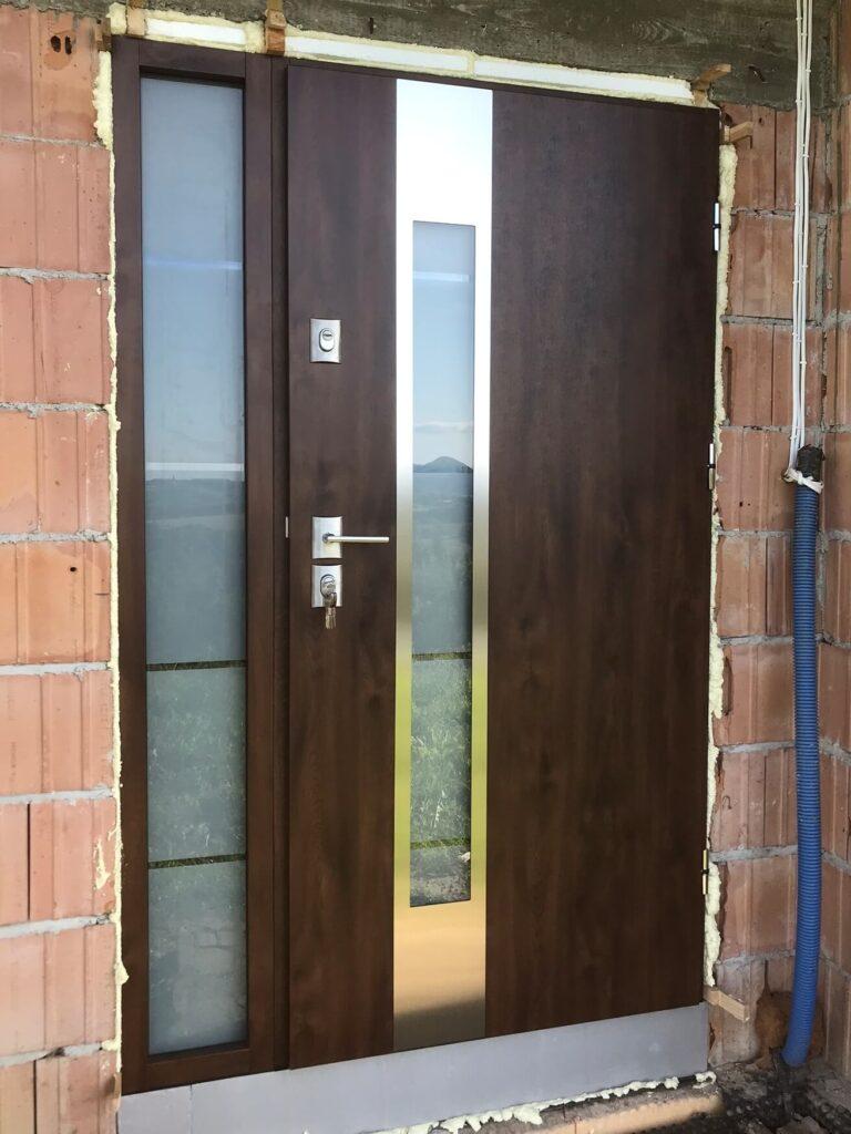 Drzwi zewnętrzne Delta z naświetlem bocznym - FHU Tokarczyk Małopolska