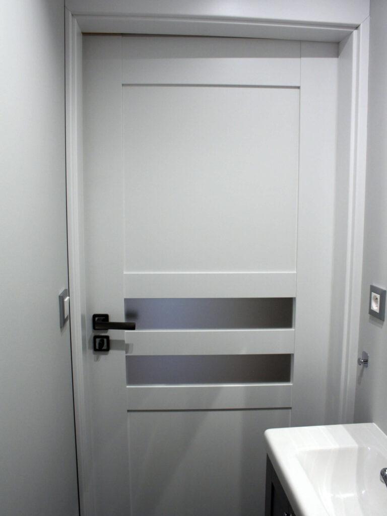 Montaż białych drzwi Monaco - FHU Tokarczyk Małopolska